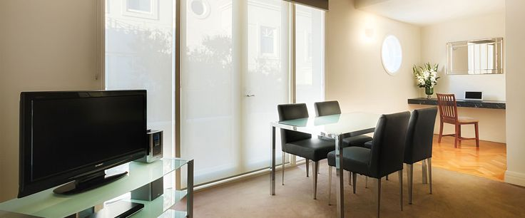 Caroline Serviced Apartments South Yarra - Two Bedroom Deluxe apartment dining area