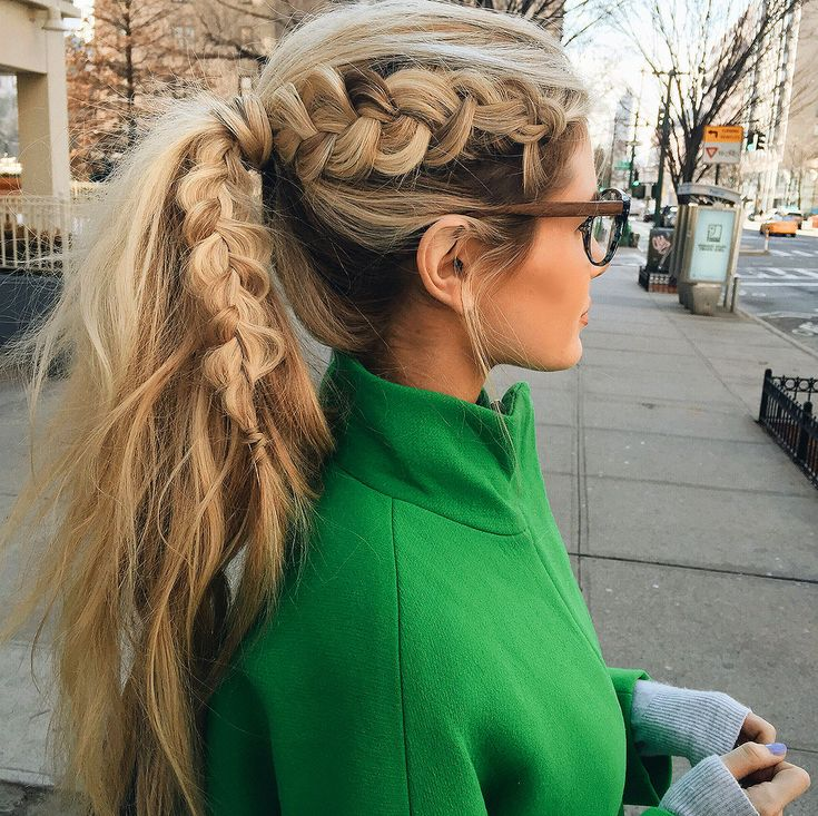 Barefoot Blonde Dutch braid pony