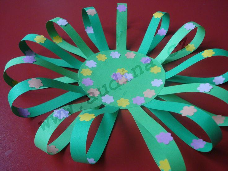 Jarní papírová dekorace pod květináč