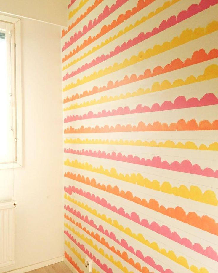 """7 tykkäystä, 1 kommenttia - @asuntokk43 Instagramissa: """"Tämä seinä viimeistelyä vaille valmis. Blogissa nyt juuri uusin postaus tämän seinän synnystä.…"""""""