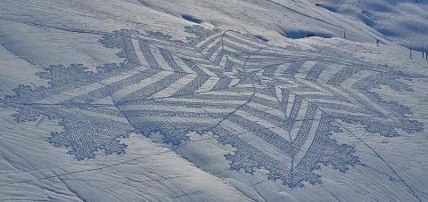 Kunst im Schnee: Beeindruckende Muster in weißer Landschaft - SPIEGEL ONLINE - Nachrichten - Gesundheit