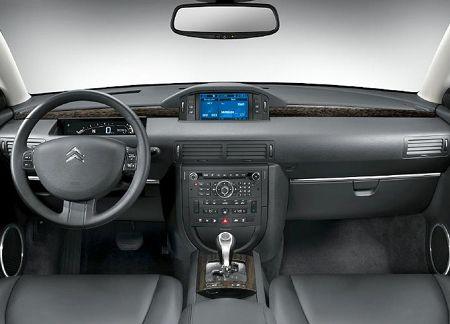 Citroen C6 interior.