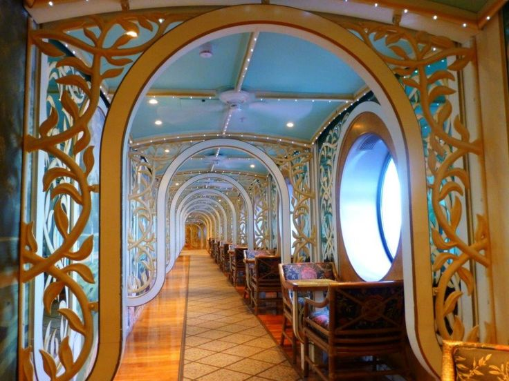 Gatsby's Garden on the Carnival Miracle is the perfect place to read a book and look out at the sea