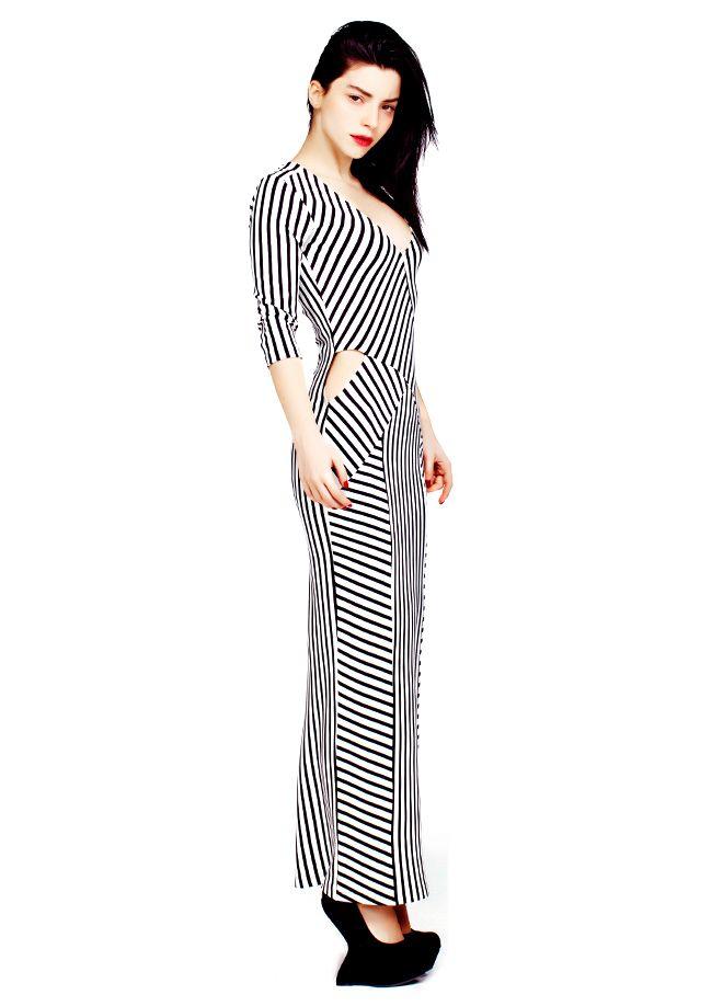 codentry & Merve BOLUĞUR Elbise Markafoni'de 129,90 TL yerine 59,99 TL! Satın almak için: http://www.markafoni.com/product/5073954/ #moda #mervebolugur #gothic #stil #siyah #trend #look #markafoni #fashion #celebrity #stylish #style #photoshoot