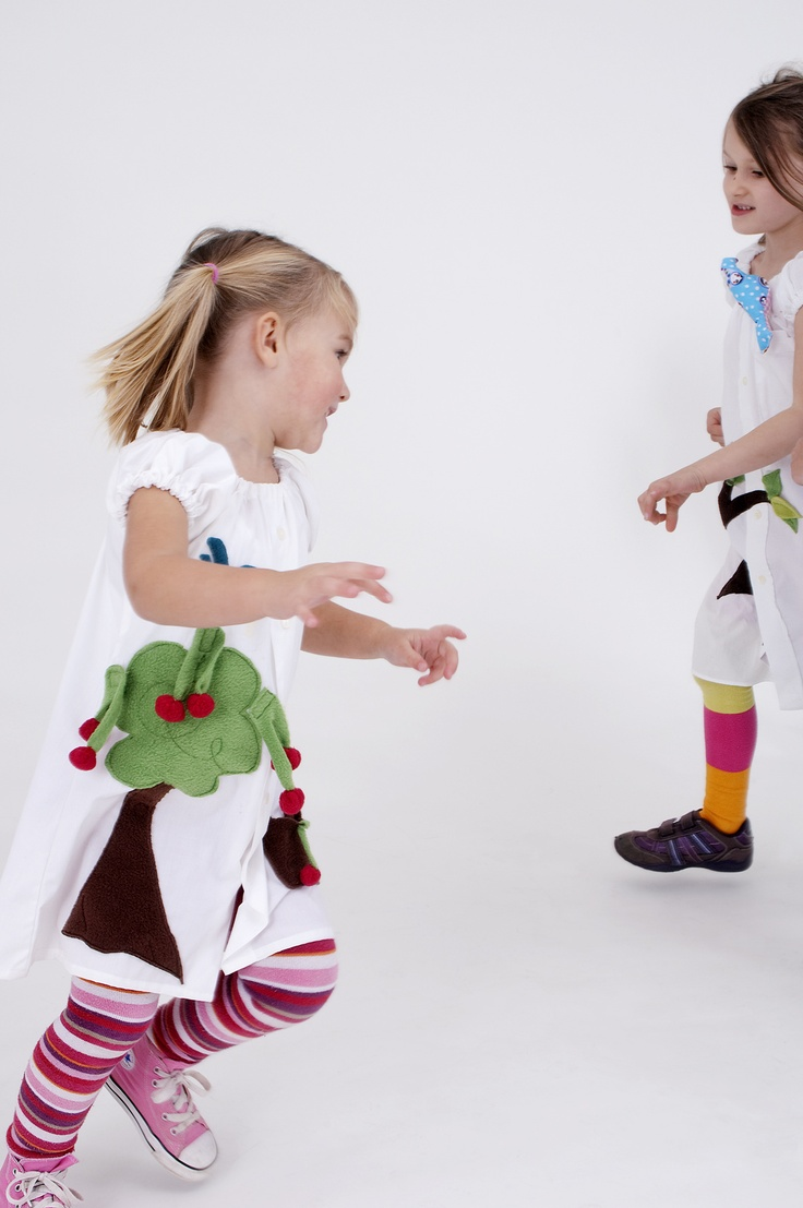 Dresses to have fun! Pick up the cherries and birds will fly! By Kamaeleon.