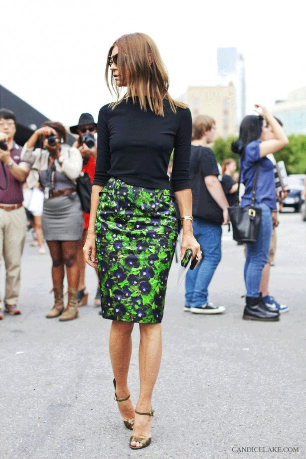 Carine Roitfeld in a slimming turtleneck and printed pencil skirt // #Fashion #Style