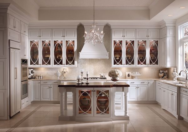 love, love, love those cabinets. Would prefer cherry wood.