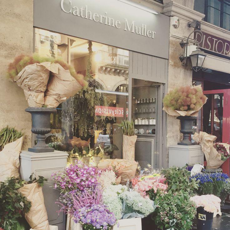 Flower classes.  Catherine Muller Flower School in London and Paris