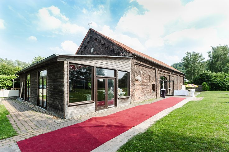 #wedding #location #redcarpet #weddinglocation #12Apostel #Essen #EssenWerden #nature #Ruhr #brick #party