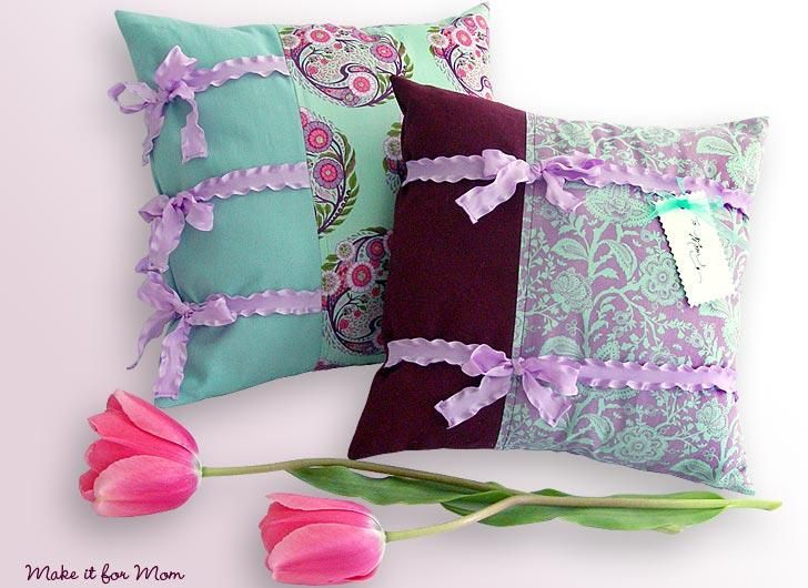 Diy Little Pillow Pair With Ruffly Ribbon Ties Pillowcase Home Decor