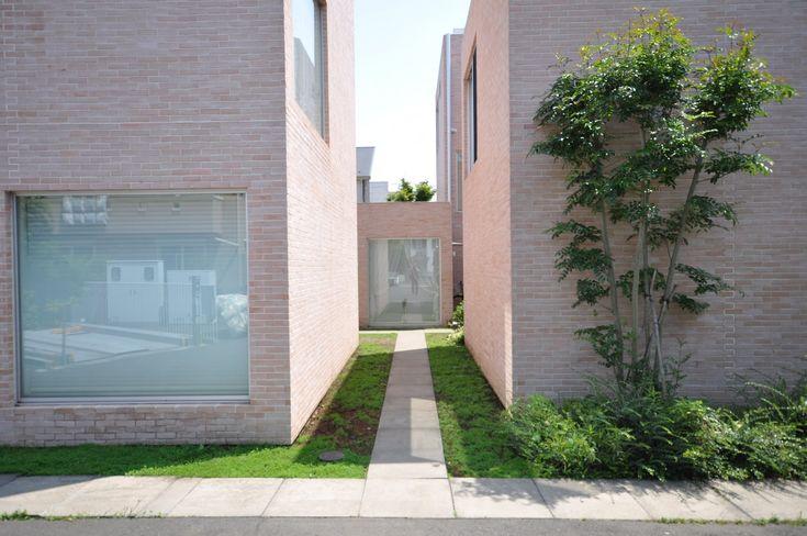 SANAA KAZUYO SEJIMA + RYUE NISHIZAWA | SEIJO TOWN HOUSES | Tokio | Japan