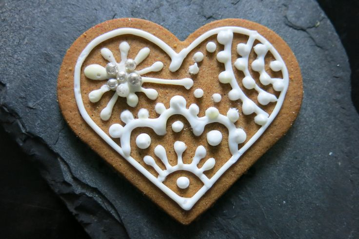 vegan glutenfree gingerbread heart