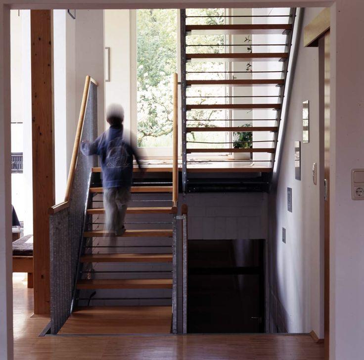 sch ne treppe innentreppe holz stahl fertigtreppe treppe pinterest. Black Bedroom Furniture Sets. Home Design Ideas