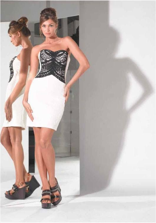 This dress is right on #trend with its #black and #white detail. We love it! Available in store now at #Vivid in #Chadstone! For more information -   http://on.fb.me/1bYpbsO or email us at info@vividwear.com.au