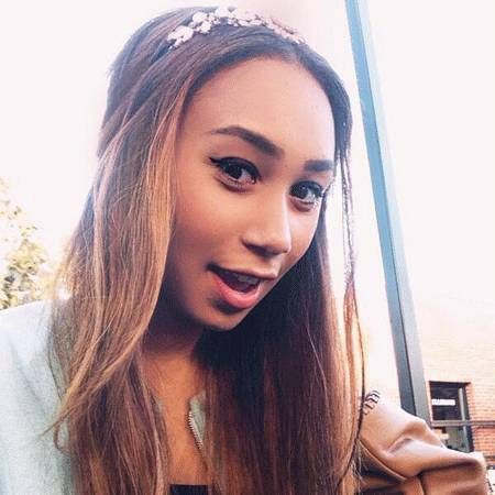 Eva Gutowski wiki, affair, married, Lesbian with age, YouTube, videos,
