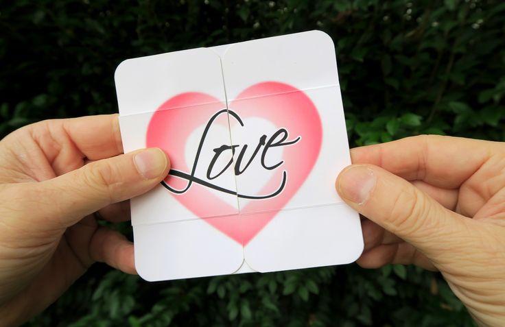 Zum Valentinstag habe ich ein neues Tutorial-Video angefertigt. Ich zeige Euch eine Karte, die sich endlos aufklappen lässt – denn wahre Liebe endet nie!