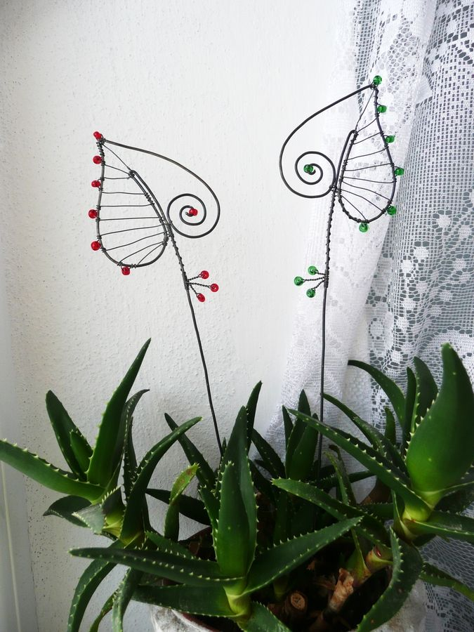 171 best wire art - flowers images on Pinterest | Wire crafts, Iron ...