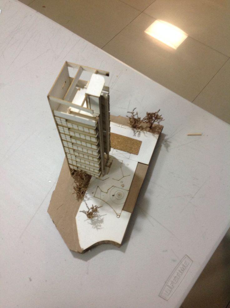 Maqueta 1:200 en corte. Edificio Jaragua por Paulo Mendes da Rocha