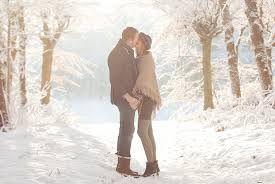 Картинки по запросу зимняя фотосессия для пары