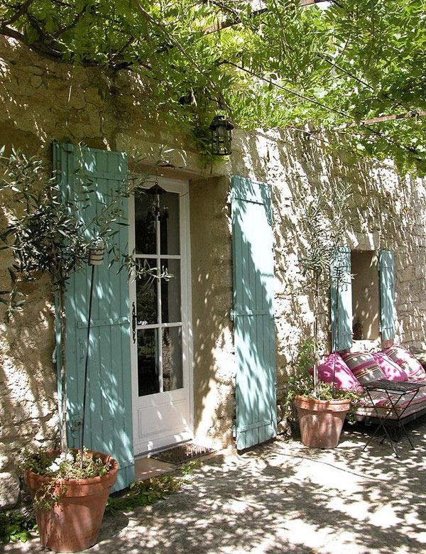 10 adorable Provence gardens - My Cosy Retreat | Interiors, DIY, Table settings, Travel escapes, Fashion, Vegan and vegetarian food