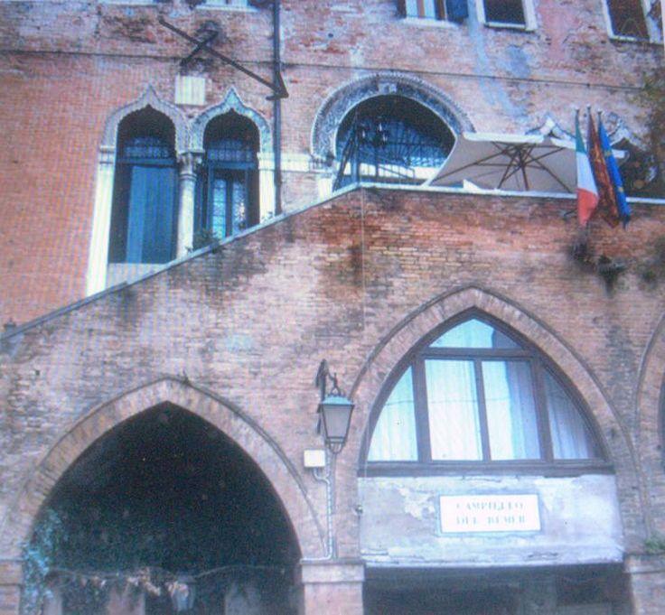 Échale un vistazo a este increíble alojamiento de Airbnb: Venecia entre palacios de verano en Venecia