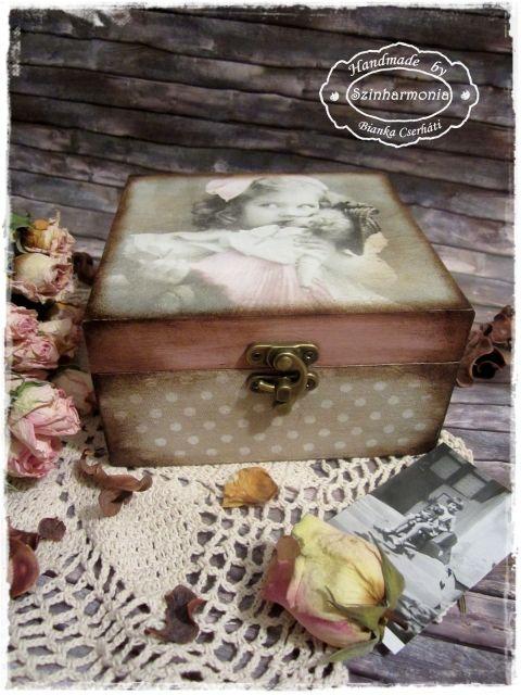 Vintage doboz - kislány babával , Ékszer, óra, Otthon, lakberendezés, Konyhafelszerelés, Tárolóeszköz, Meska