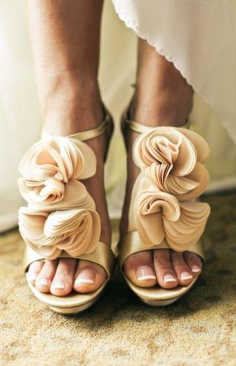 "... you had me at ""ruffles"": Fashion, Wedding Shoes, Bridesmaid Shoes, Beautiful Shoes, Weddingshoes, Badgley Mischka, Bridal Shoes, Shoes Shoes, Badgleymischka"