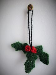 This is a simple holly pattern for the perfect Christmas ornament.