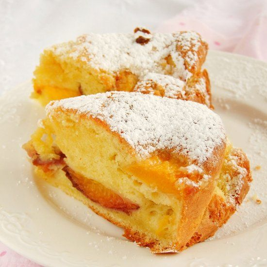 simple and delicious cake with peaches (in Polish)