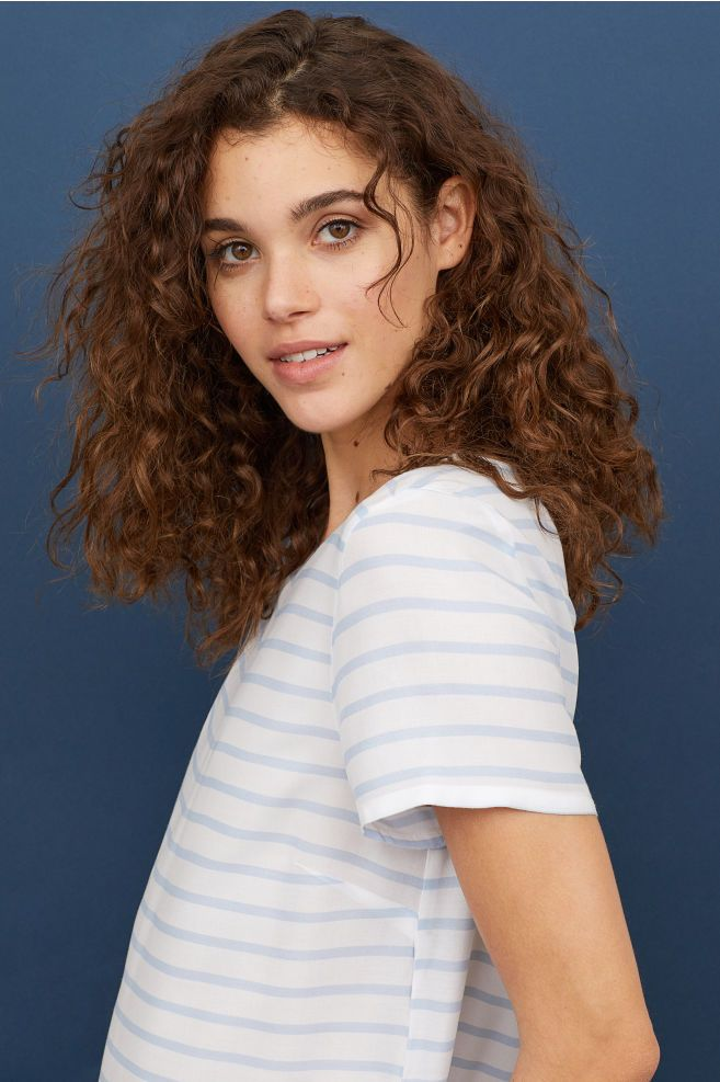 Short Sleeved Blouse White Light Blue Striped Ladies H M Us Curly Hair Photos Curly Hair White Girl Thick Hair Styles