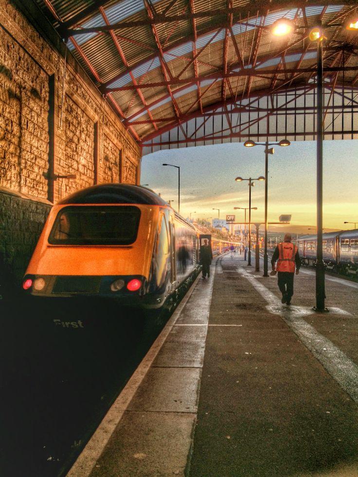 06:45 to London Paddington at Penzance station.