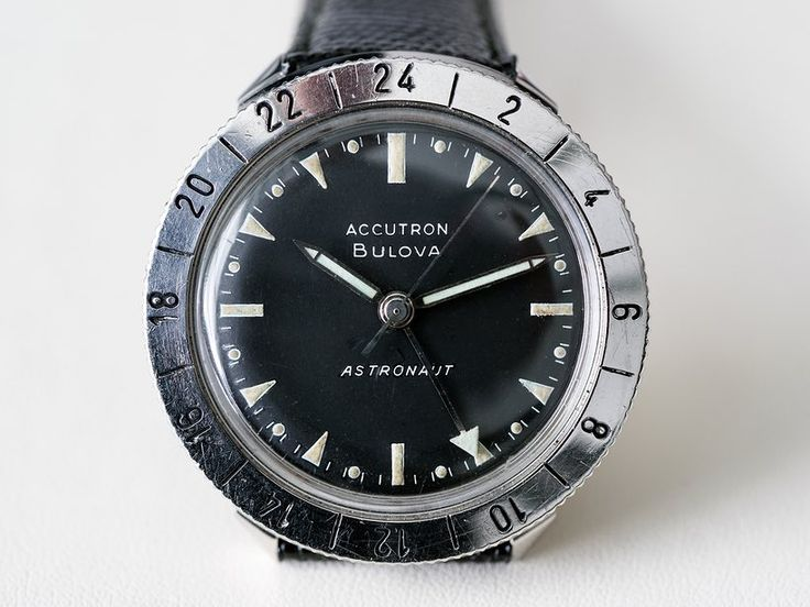 In-Depth: Bulova's Accutron Astronaut – The Watch Chosen By The CIA For Pilots Of The Fastest Plane Ever Made