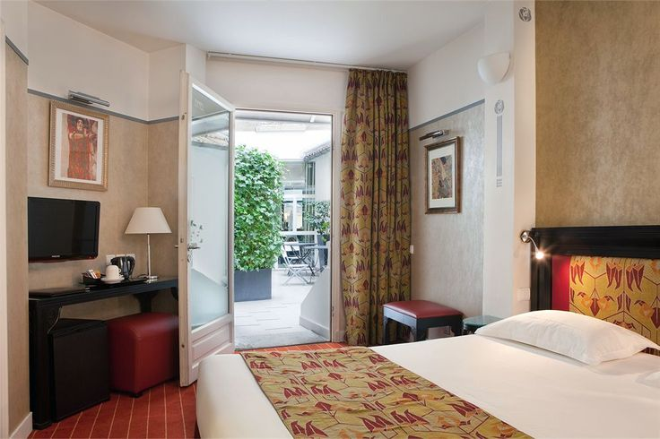 """Hotel Eiffel Seine is rated """"Excellent"""" by our guests. Take a look through our photo library, read reviews from real guests and book now with our Best Price Guarantee. We'll even let you know about secret offers and sales when you sign up to our emails."""