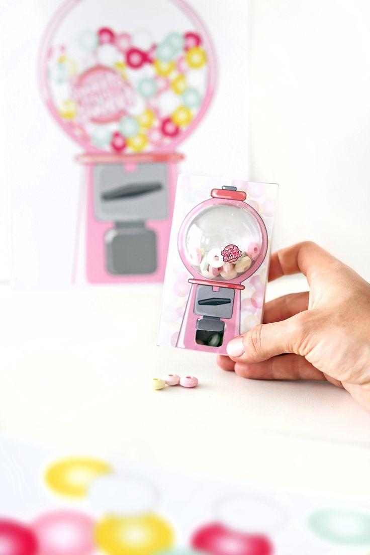 Was für ein super tolles DIY FREEBIE für die Kleinsten: Ein Mini-Kaugummiautomat aus Streichholzschachteln für Geburtstage oder als Überraschung Zwischendurch