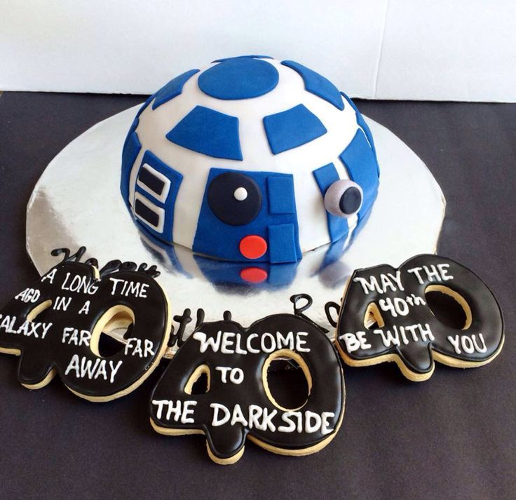 R2d2 may the fortieth be with you birthday cake and cookies. 40