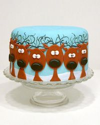 Reindeer Christmas cake... it would be cute if one had a red