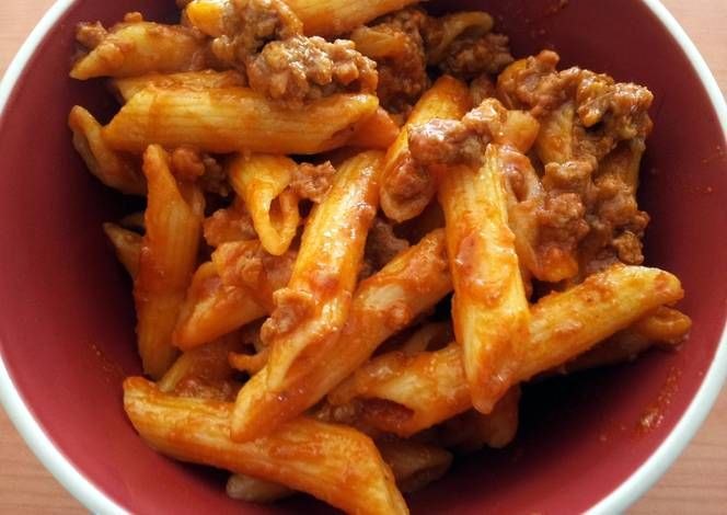 Pasta with a SIMPLE Bolognese Recipe -  Yummy this dish is very delicous. Let's make Pasta with a SIMPLE Bolognese in your home!