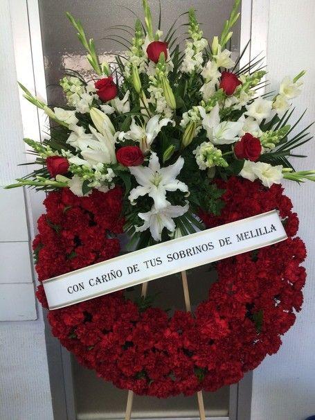 Corona de flores de la floristería de Granada