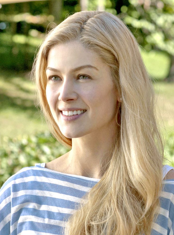 Rosamund Pike in Gone Girl, 2014 | Makeup/hair cheats in ...Rosamund Pike 2014