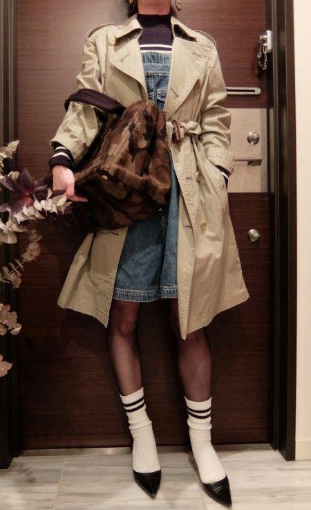 ÖKO's Coordinate Blog    Burberry trench coat × Denim salopette