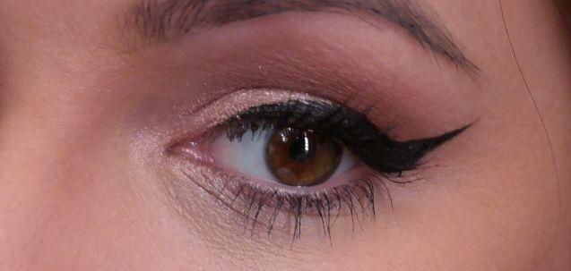 Winged liner and luminizing eyeshadow