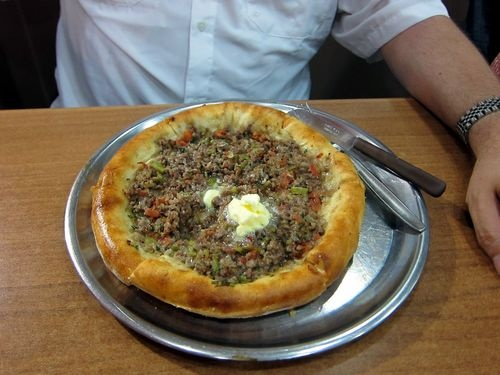 Butter-topped meat pide in Trabzon