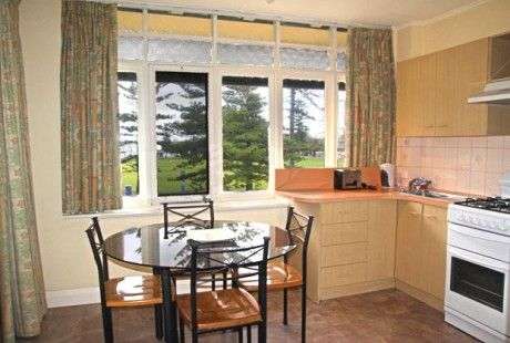 Bayview park view suite - kitchen/dining. Just minutes from Jetty Road and the beach! #glenelg #accommodation #suite #family #park #view #kitchen #dining #vacation #travel