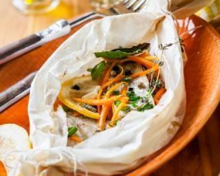 Papillote de cabillaud aux carottes, courgettes, thym et citron