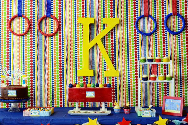 Gymnastics theme party! love the colors #party #decor