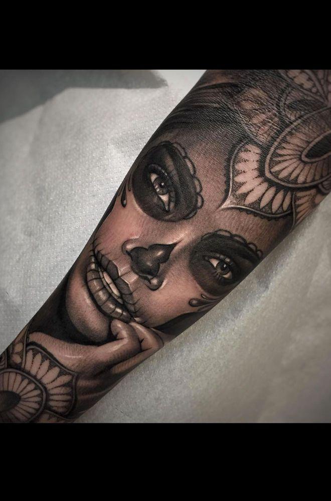 Les 25 meilleures id es de la cat gorie la santa muerte tattoo sur pinterest tatouage santa - Santa muerte tatouage signification ...