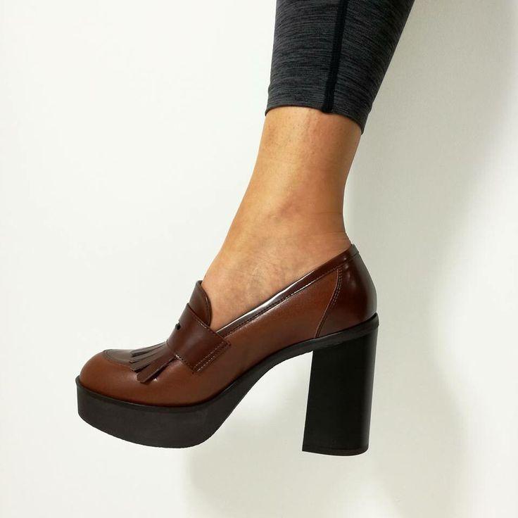 I tacchi del S A B A T O 👠🕶 ▶️Saldi saldi saldi saldi◀️ 🔛riccishop.it  #lorenzomari #heels #scarpe #sale #saleoff #saldi #shoes #shoponline #shopping #shoestagram #heels #style #fashion #stunning #glam #lifestyle #shoestobehappy #fashionista #instashoes #shoeslovers #shoesaddict #pretty #girl #tacchi #venafro #isernia #molise #italy