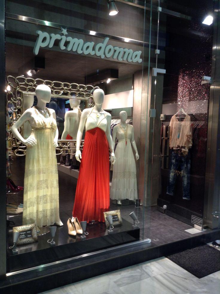 Primadonna γυναικεία ρούχα και αξεσουάρ.Βιτρίνα στο www.primadonna.com.gr