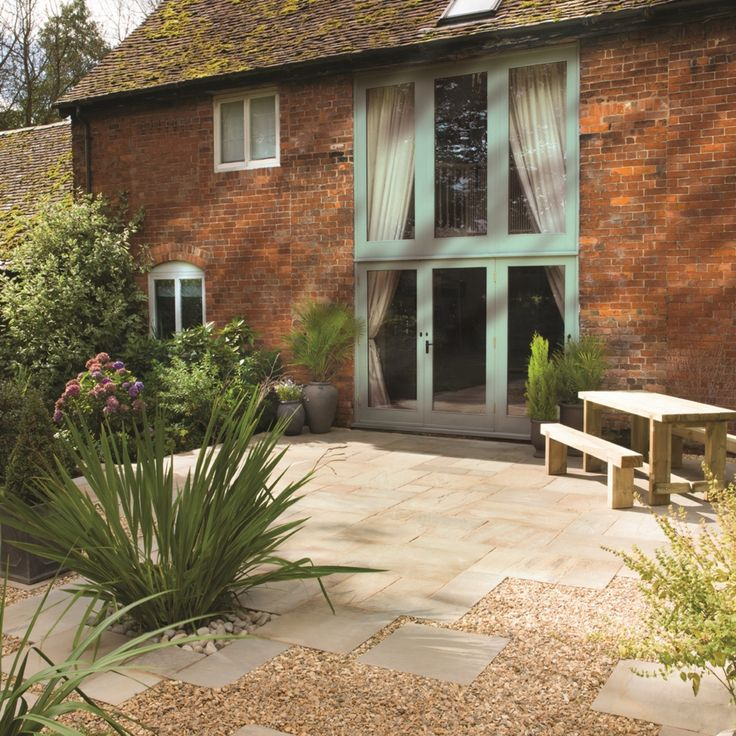 Bradstone, Natural Sandstone Paving Fossil Buff Patio Pack - 15.30 m2 Per Pack - Natural Stone - Paving