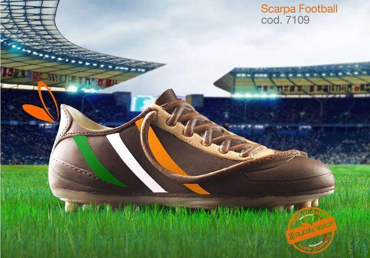 scarpa in cioccolato realizzata con gli stampi in silicone alimentare decosil #calcio  #ireland